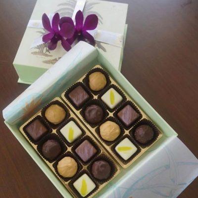 Simply serene and sweet #boxpackaging @kahala_resort #greatbrandsgreatpackage #custompackaging #custombox #chocolates