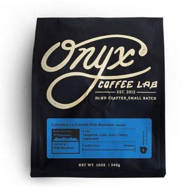 Never settling for good enough @onyxcoffeelab in #arkansas #greatbrandsgreatpackage #coffeepackaging #customcoffeebags #coffeepackagingprinting 📷: @onyxcoffeelab