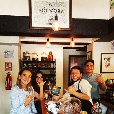 Emocionados de pasar el rato con Julian el campeon catador de Cafe de Mexico @polvora_fce #specialtycoffee #cafemexicano