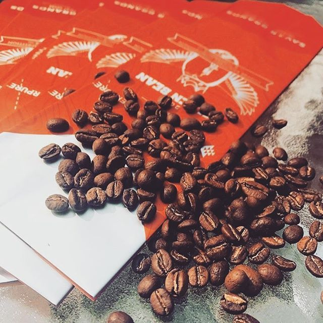 Will you be @goldenbean.northamerica? We'll share some insights on #branding and how you can find the #coffeepackaging that's right for you. Hope to see you in #PortlandOregon! #customcoffeebags #coffeepackagingprinting