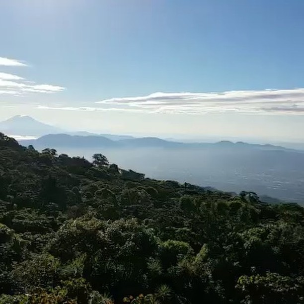 Enjoying the breathtaking views from the beautiful #coffeefarm San Antonio @elcipitiocoffee on the slope of #SanSalvadorvolcano with @mrcz2013 #elsalvadorcoffee  #specialtycoffee #coffeebreak