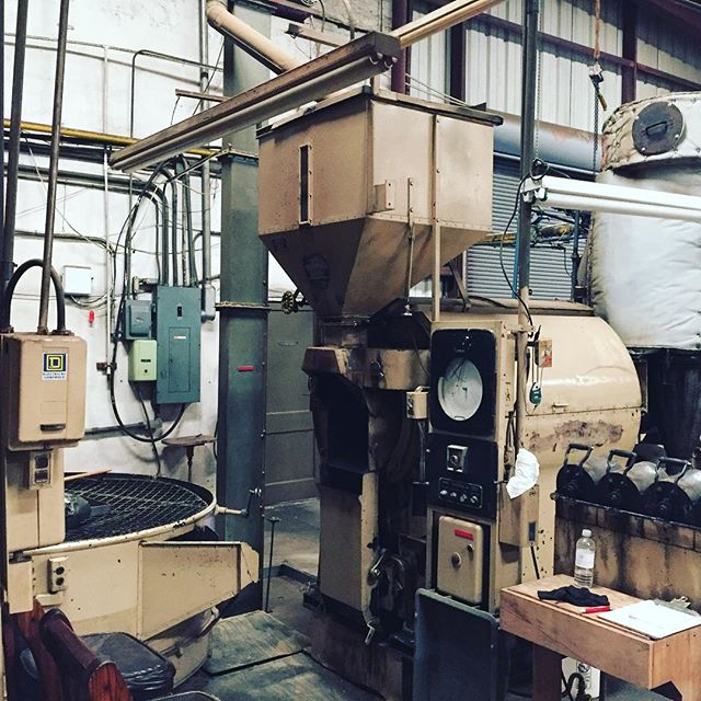 The old Burns Thermalo Roaster is still getting er done @greenlabelroasters in Jacksonville #igersjax