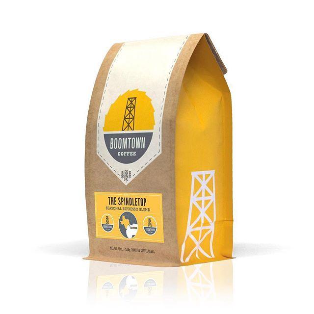 Specialty crafted @boomtowncoffee in crisp #kraftpackaging #drinkhouston #specialtycoffee #print #packaging 📷: @boomtowncoffee