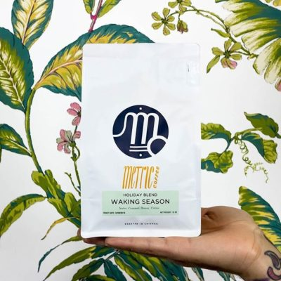 Pretty block bottom bags with a resealable zipper @metriccoffee in #chicago. Celebrating #quality coffee and quality design! #specialtycoffee #madebyhumans #print #packaging #greatbrandsgreatpackage #regram 📷: @metriccoffee