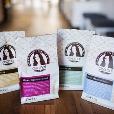 100% locally grown and roasted on #Maui @akamaicoffee in beautiful smart #packaging #qualityinsideout #greatbrandsgreatpackage #regram 📷: @jennastrubhar