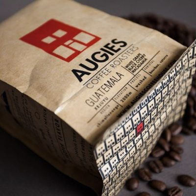 Bringing a contagious #passion for #specialtycoffee @augiescoffee in beautiful #kraft #packaging ❤️️ #coffeepackaging #customcoffeebags #coffeepackagingprinting