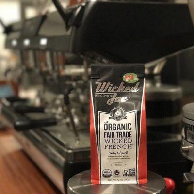 Smoky, smooth and delicious #organic #fairtradecoffee @wickedjoecoffee #greatbrandsgreatpackage #coffeepackaging #customcoffeebags #coffeepackagingprinting #regram 📷: @wickedjoecoffee