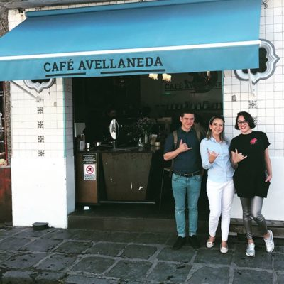Awesome meeting three-time Mexican Brewers Cup Champion Carlos De la Torre and Yarismet from @avellanedakf ☕️ #cafemexicano #coffeeart #specialtycoffee #coffeetime