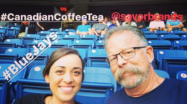 Savor Brands taking in the game before #canadiancoffeeandtea #greatbrandsgreatpackage #specialtycoffee #rollinwithpaoul