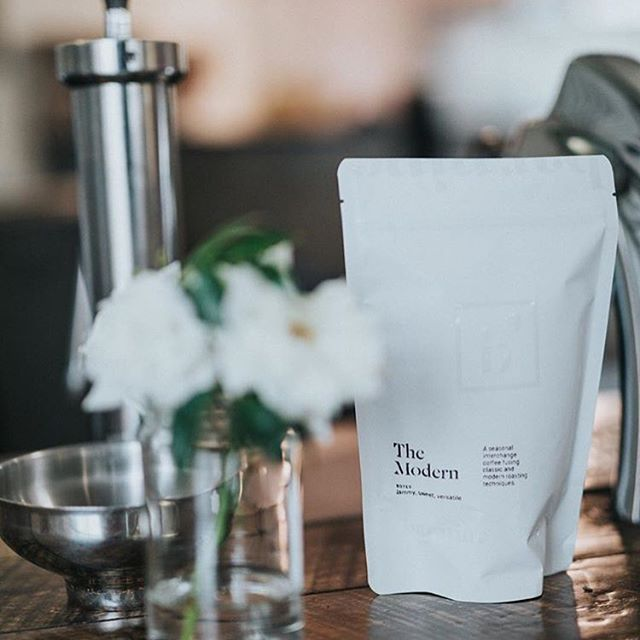 Pushing coffee forward @barninela in #CulverCity and beyond, with appreciation for beauty in the simplest details #qualityinsideout #specialtycoffee #coffeepackaging #customcoffeebags #coffeepackagingprinting 📷: @barninela
