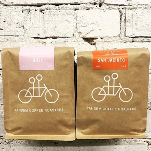 Roasted in #PortlandMaine @tandemcoffeeroasters 💕🧡 #specialtycoffee #qualityinsideout #coffeepackaging #customcoffeebags 📷: @tandemcoffeeroasters