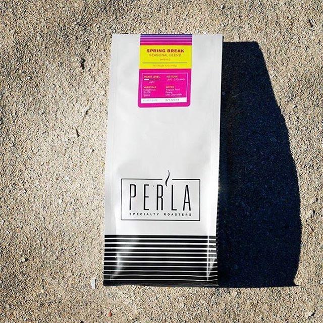 So happy spring break has arrived @drinkperla ☀️🕶 Born in Miami, sourced globally, roasted locally #specialtycoffee #coffeepackaging #customcoffeebags 📷: @drinkperla