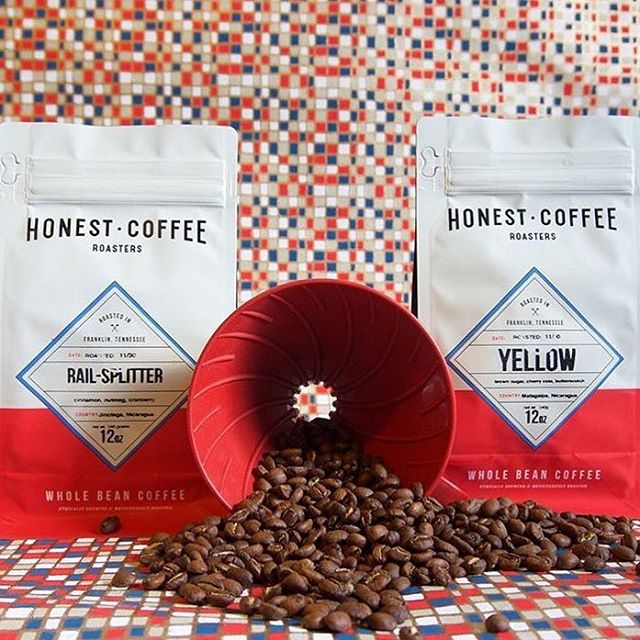 Ethically sourced + meticulously roasted + carefully brewed @honestroasters in #FranklinTN #specialtycoffee #qualityinsideout #coffeepackaging 📷: @angelscup