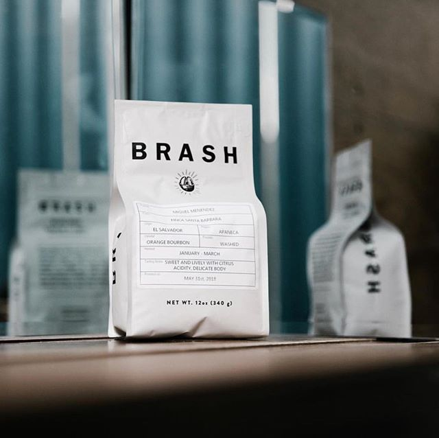 Pursuers of simple, delicious coffee @brashcoffee #specialtycoffeeroaster #relationshipcoffee #coffeepackaging #customcoffeebags 📷: @brashcoffee