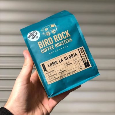 Expertly crafted @birdrockcoffeeroasters #directtradecoffee #specialtycoffeeroaster #coffeepackaging #customcoffeebags 📷: @birdrockcoffeeroasters