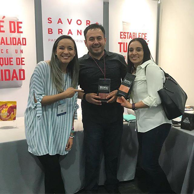La felicidad cuando ves tu empaque por primera vez. Gracias Carlos es un placer trabajar contigo! @caffepecora1909 #mexicancoffee
