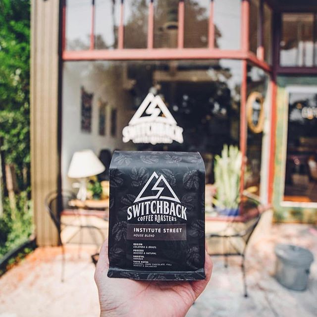 Excellent coffee, for everyone @switchbackroasters #coloradosprings #specialtycoffeeroaster #coffeepackaging #customcoffeebags 📷: @switchbackroasters