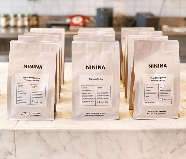 Roasting with passion the best coffee from Bolivia, Brazil Colombia and Peru @nininabakery 🇧🇴 🇧🇷 🇨🇴 🇵🇪 #specialtycoffeeroaster #coffeepackaging #customcoffeebags 📷: @nininabakery