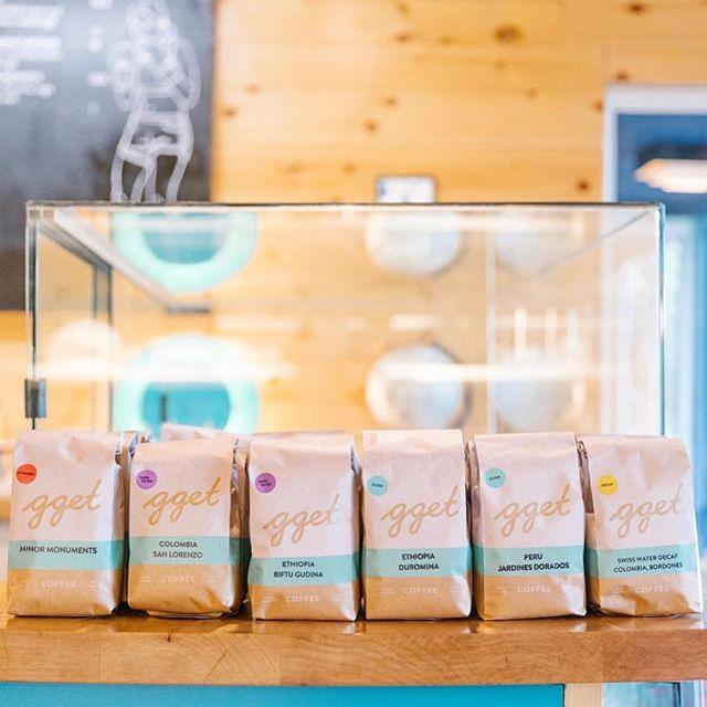 Making great coffee @ggetla #specialtycoffeeroaster #LAcoffee #coffeepackaging #customcoffeebags 📷: @ggetla