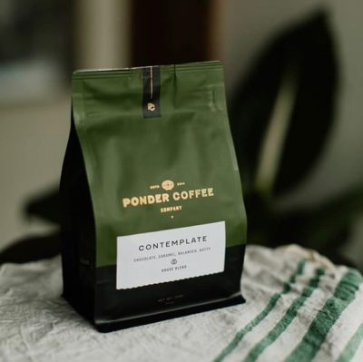 Offering a memorable #craftcoffee experience that cultivates thoughtful engagement with the whole story of coffee @pondercoffeeco #specialtycoffeeroaster #coffeepackaging #customcoffeebags 📷: @pondercoffeeco