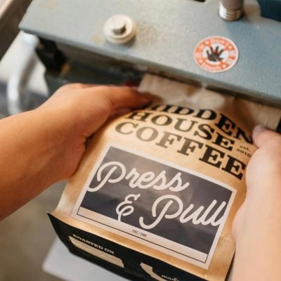 Hospitality and an ongoing pursuit of quality @hiddenhousecoffee #specialtycoffeeroaster #qualityinsideout #coffeepackaging #customcoffeebags 📷: @hiddenhousecoffee