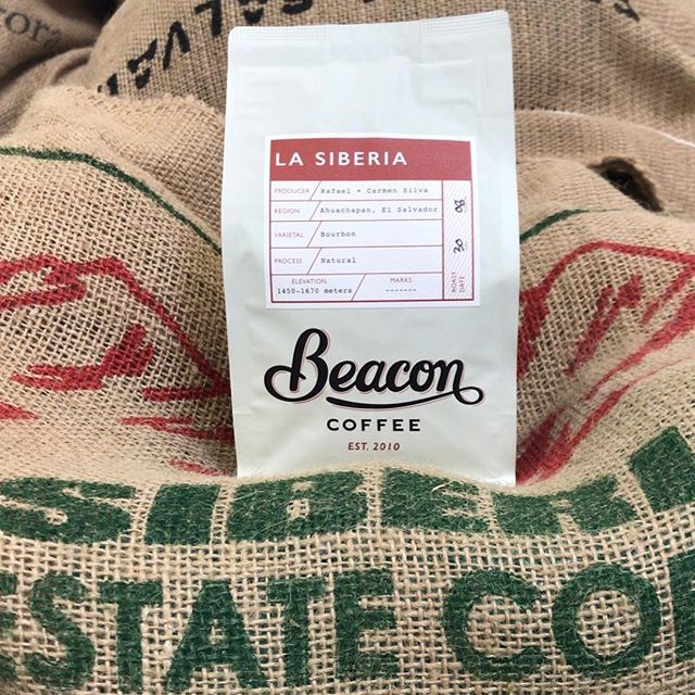 Roasting high-quality micro-lots from #familyownedfarms since 2010 in #Ojai @beaconcoffee #specialtycoffeeroaster #relationshipcoffee #farmdirect #coffeepackaging #customcoffeebags 📷: @beaconcoffee