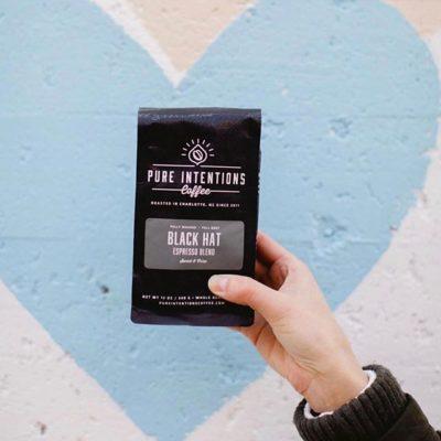 #PourPure 💙 @pureintentionscoffee #specialtycoffeeroaster #qualityinsideout #coffeepackaging 📷: @pureintentionscoffee