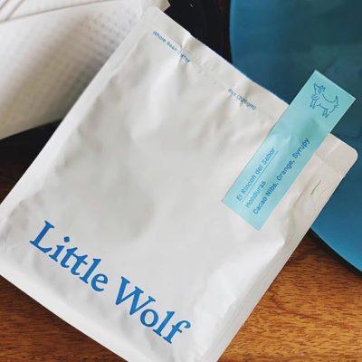 Good coffee and companions @lilwolfcoffee #specialtycoffeeroaster #qualityinsideandout #coffeepackaging #customcoffeebags 📷: @lilwolfcoffee