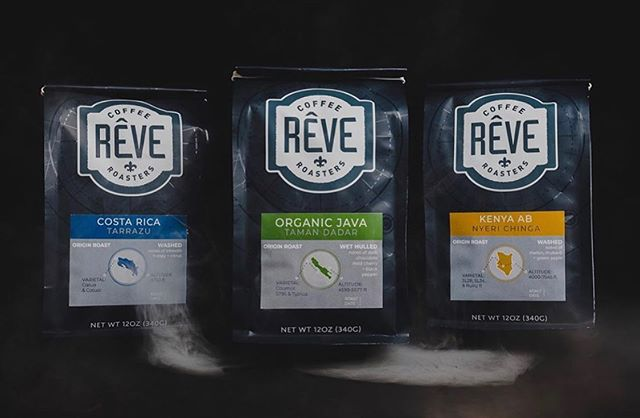 Bringing neighbors together over the joy of specialty coffee @revecoffeeroasters #revecoffeeroasters #specialtycoffeeroaster #coffeepackaging #customcoffeebags 📷: @revecoffeeroasters