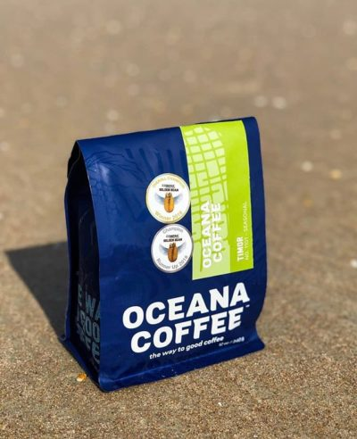 @oceanacoffee The way to good coffee starts here. #oceanacoffee #specialtycoffeeroaster #coffeepackaging #customcoffeebags 📷: @oceanacoffee