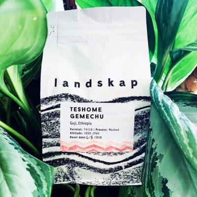 @landskap_nyc Roasting exceptional coffees in Brooklyn, NY #landskap_nyc #specialtycoffeeroaster #coffeepackaging #customcoffeebags 📷: @landskap_nyc