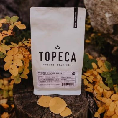 Diligently Crafted in Tulsa, Oklahoma ⠀ @topecacoffee #topecacoffee #specialtycoffeeroaster #coffeepackaging #customcoffeebags⠀ 📷: @topecacoffee