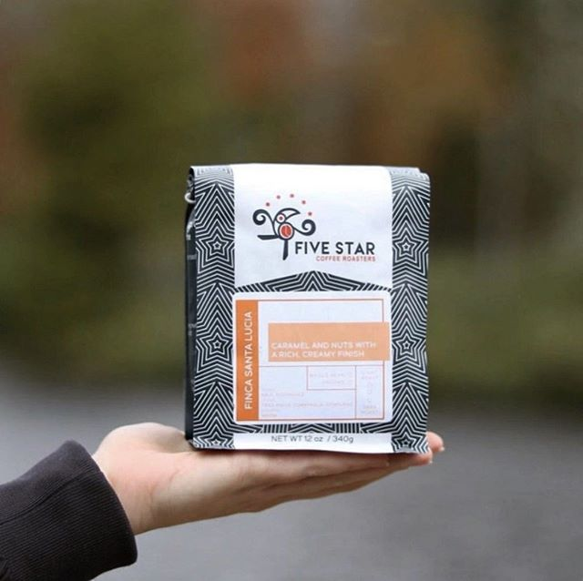 @fivestarcoffeeco Expertly crafting coffee that enriches live and connects communities. ⠀ #fivestarcoffeeco #specialtycoffeeroaster #coffeepackaging #customcoffeebags⠀ 📷: @fivestarcoffeeco